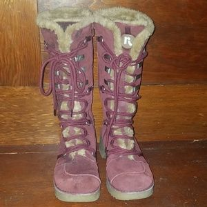 Report Icon Women's Burgandy sz. 8.5 suede boots